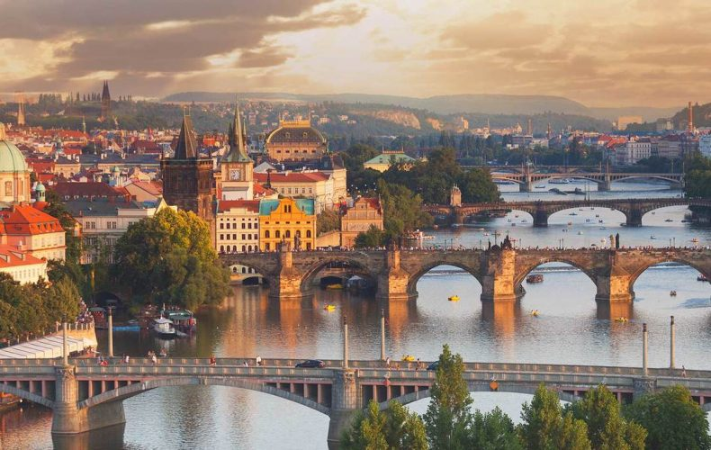 Ve vodě v Praze 9 se objevila nebezpečná bakterie Legionella